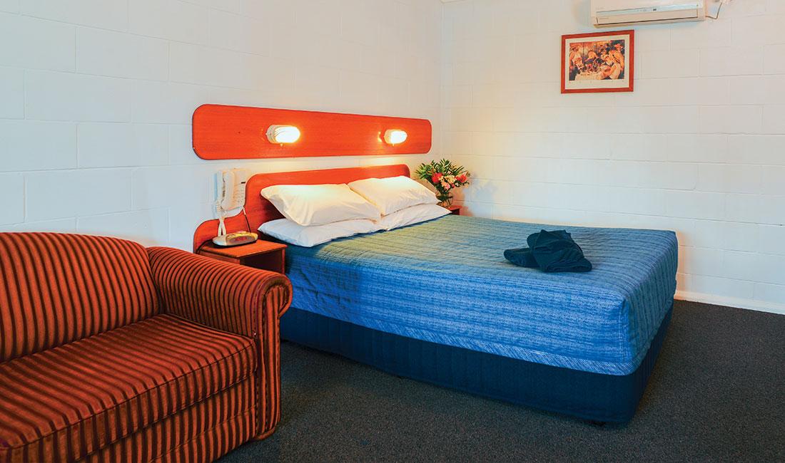 Rest Point Motor Inn 2 Bedroom Family Room