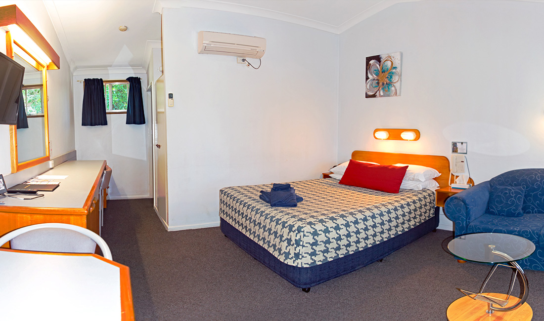 Rest Point Motor Inn Deluxe Room - Glen Innes Accommodation
