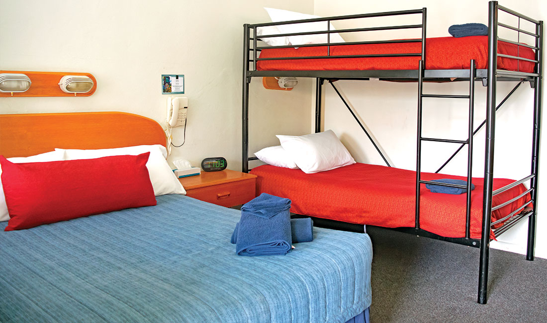 Rest Point Motor Inn Family Bunk Room - Glen Innes Accommodation